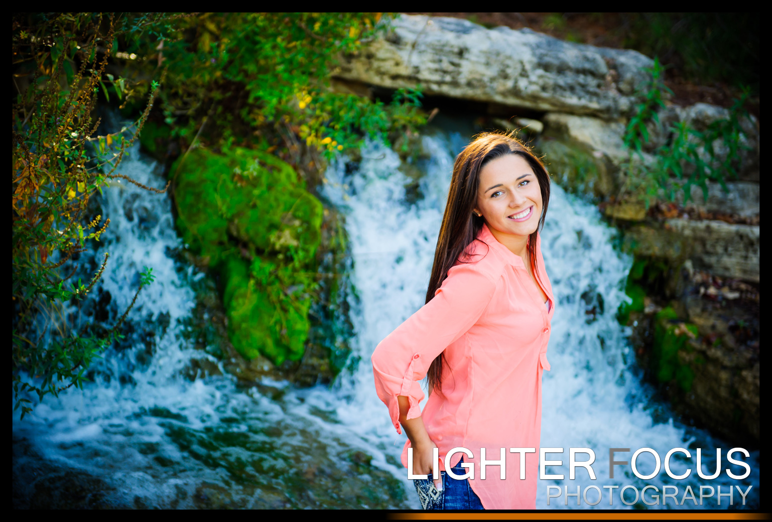 Amber's Senior pictures at Lake of the Ozark -Photography by Lighter Focus